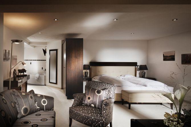 Hotelzimmer im Waldhotel Doldenhorn