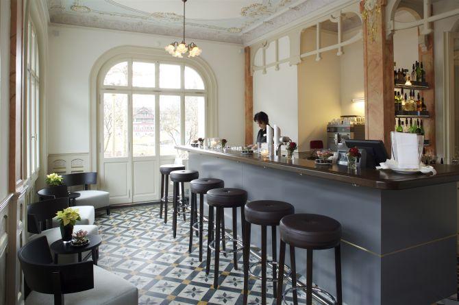 Bar im Jugendstilhotel Paxmonatana