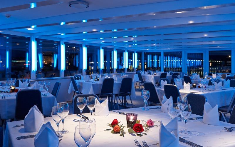 Essensaal des Kreuzfahrschiffes Christoph Merian für das Krimidinner Mord an Bord